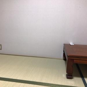 職員さんに声をかけると和室に案内してくださいました。とても親切にしていただきました。