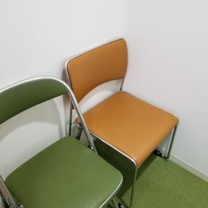 授乳室は椅子が二つ