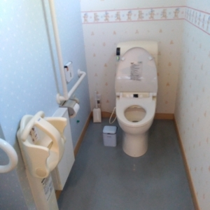 大人用トイレ ベビーチェアあり