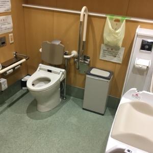 1階 多目的トイレはベビーカーごと入れます