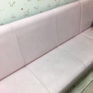 授乳室のソファー。