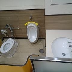 おむつ交換台の反対にはキッズトイレもありましたー