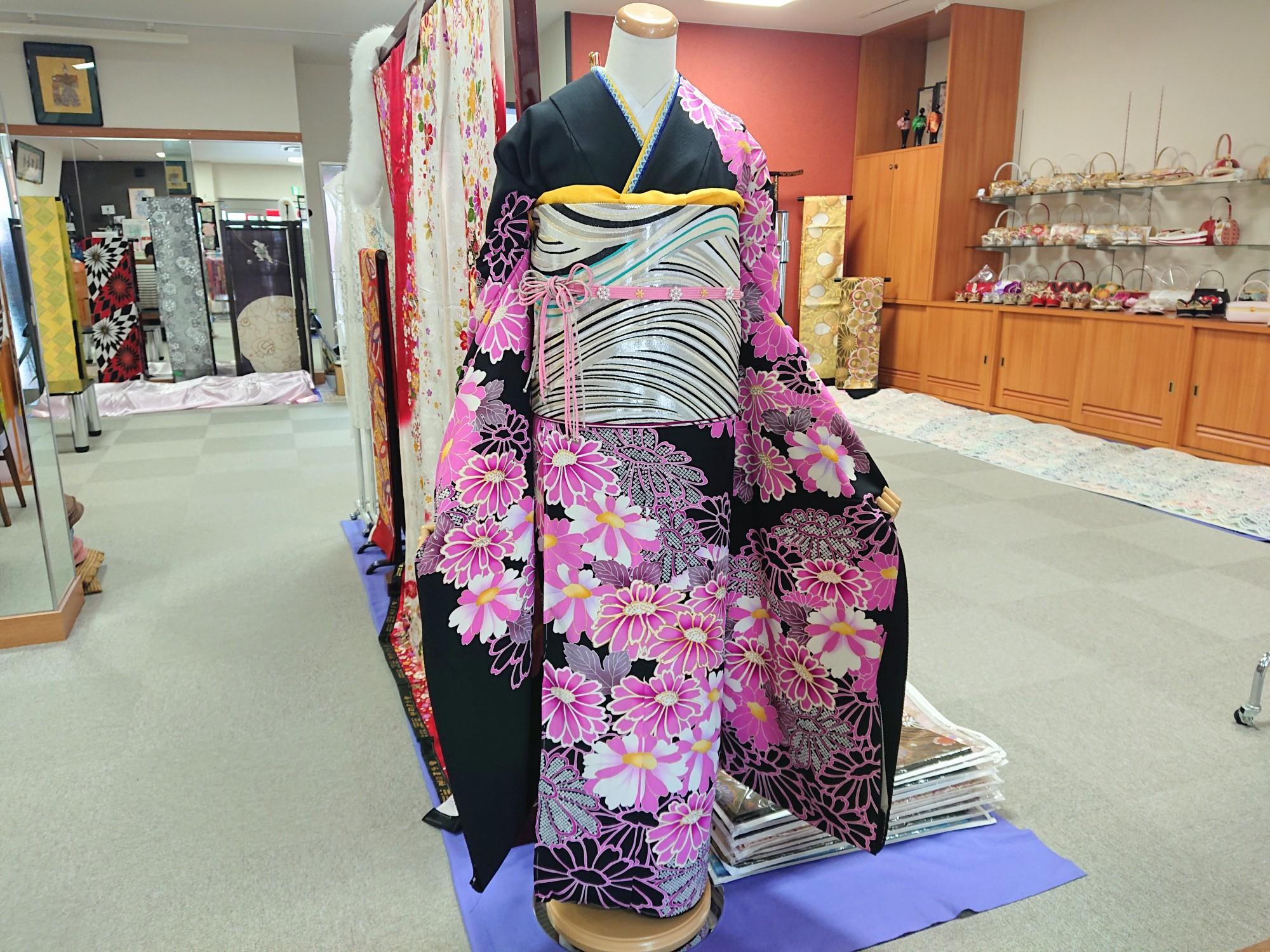 みはしおすすめ振袖をご紹介!~黒・茶・紫~ @群馬県沼田市の京呉服みはしです