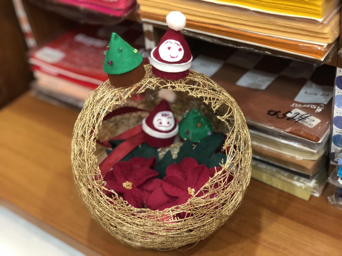 糸玉を使ってクリスマスデコレーション! 我が家にクリスマスがやってきた 超簡単!縫うのは少しだけです