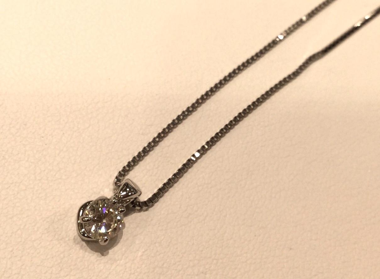 ご主人さまから頂いたネックレスを揺れるネックレスにリフォーム