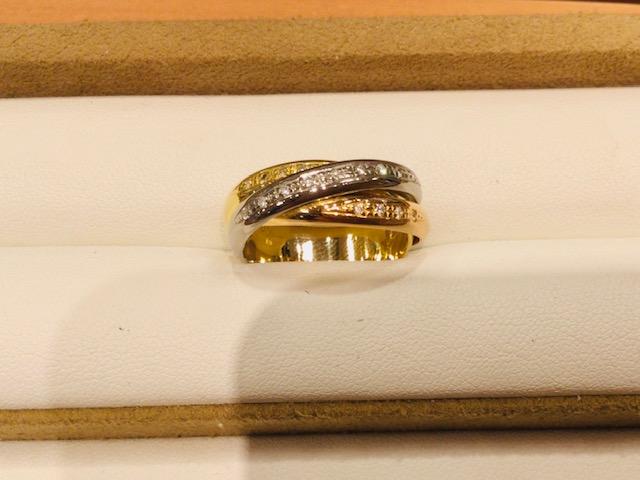 取れなくなってしまった指輪をカット、元の形へ修理いたします