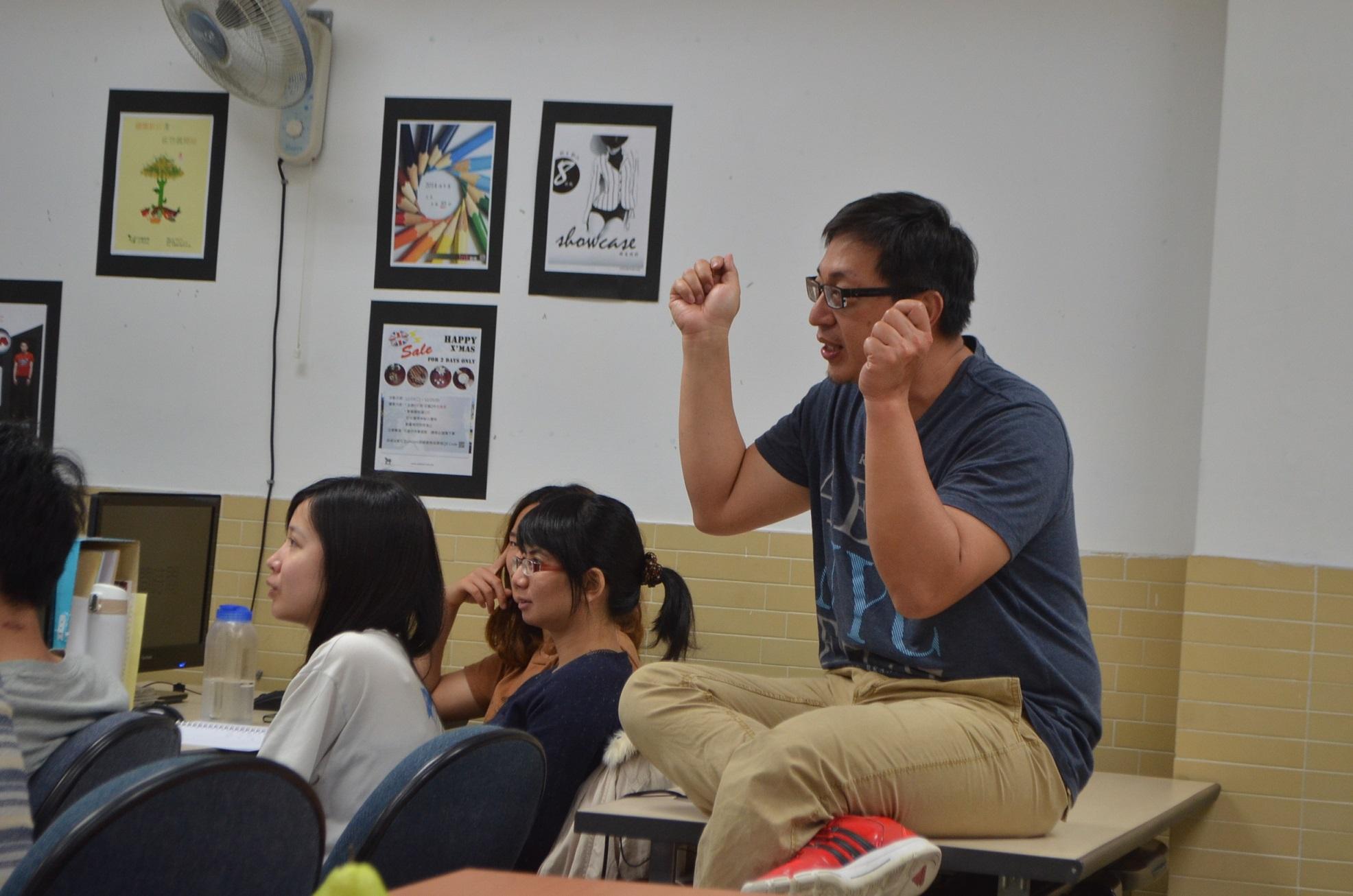charles老師細心指導網站提案
