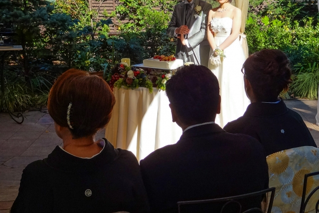 再婚で結婚式を挙げて大丈夫? 招待ゲストの本音