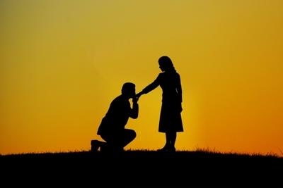 結婚の決め手は? 男性が結婚を決意するのに必要なもの
