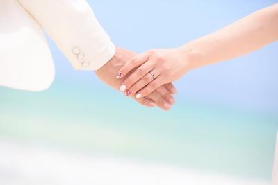 2人だけの結婚式ってどう? 利点や気を付けたいことをご紹介
