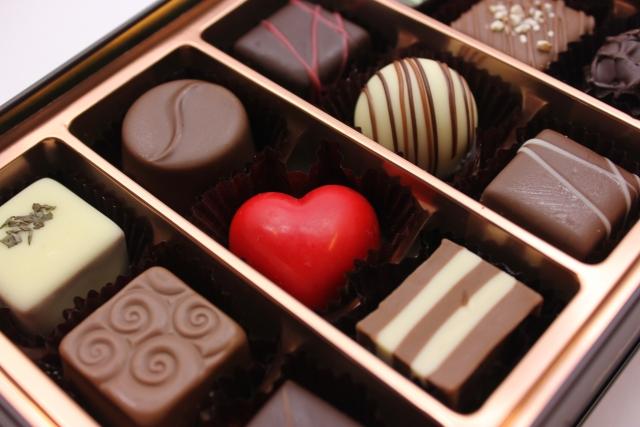 【職場編】チョコレート,,マカロン,クッキー, お取り寄せグルメ,ギフト券,ハンドクリーム,入浴剤,ハンカチ