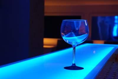 出会いはバーにある。バーで素敵な出会いをつかむコツ