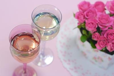 祝結婚10周年! 2人の大切な結婚記念日のお祝いはどうする?
