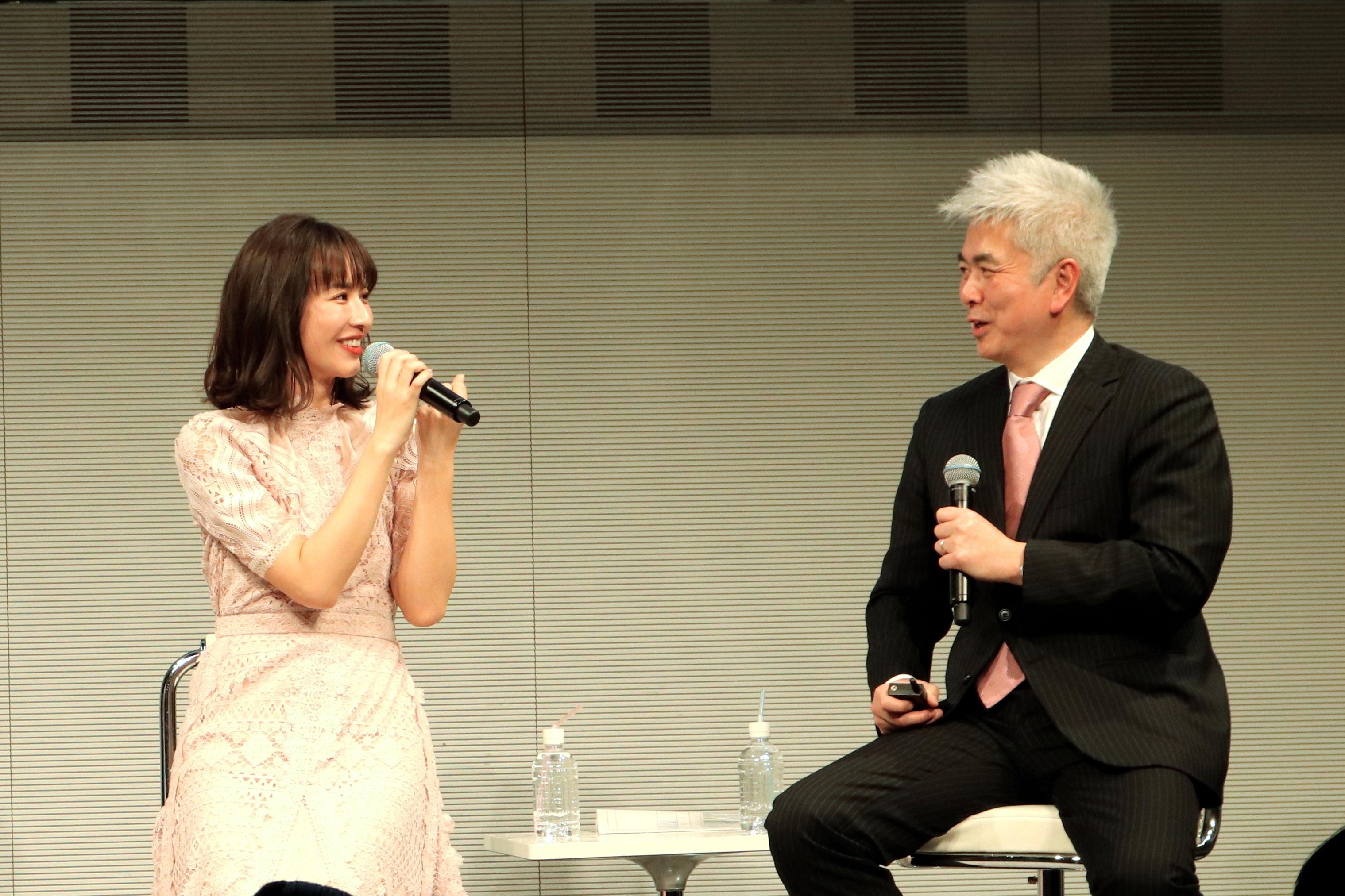 優木まおみさんと鈴木直樹さんのトークショー