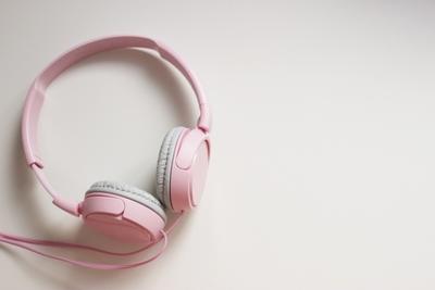 【男女別】遠距離恋愛中に聴きたい歌20選