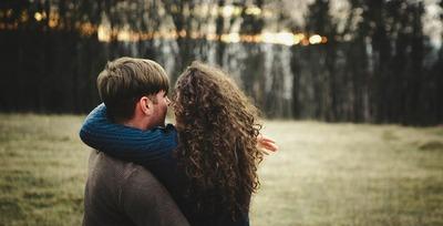 愛おしいと思う心理とは。男性が女性を愛おしいと思う瞬間