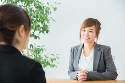 リアクションと内容が大事? 話しやすい人の特徴と話し方のコツ