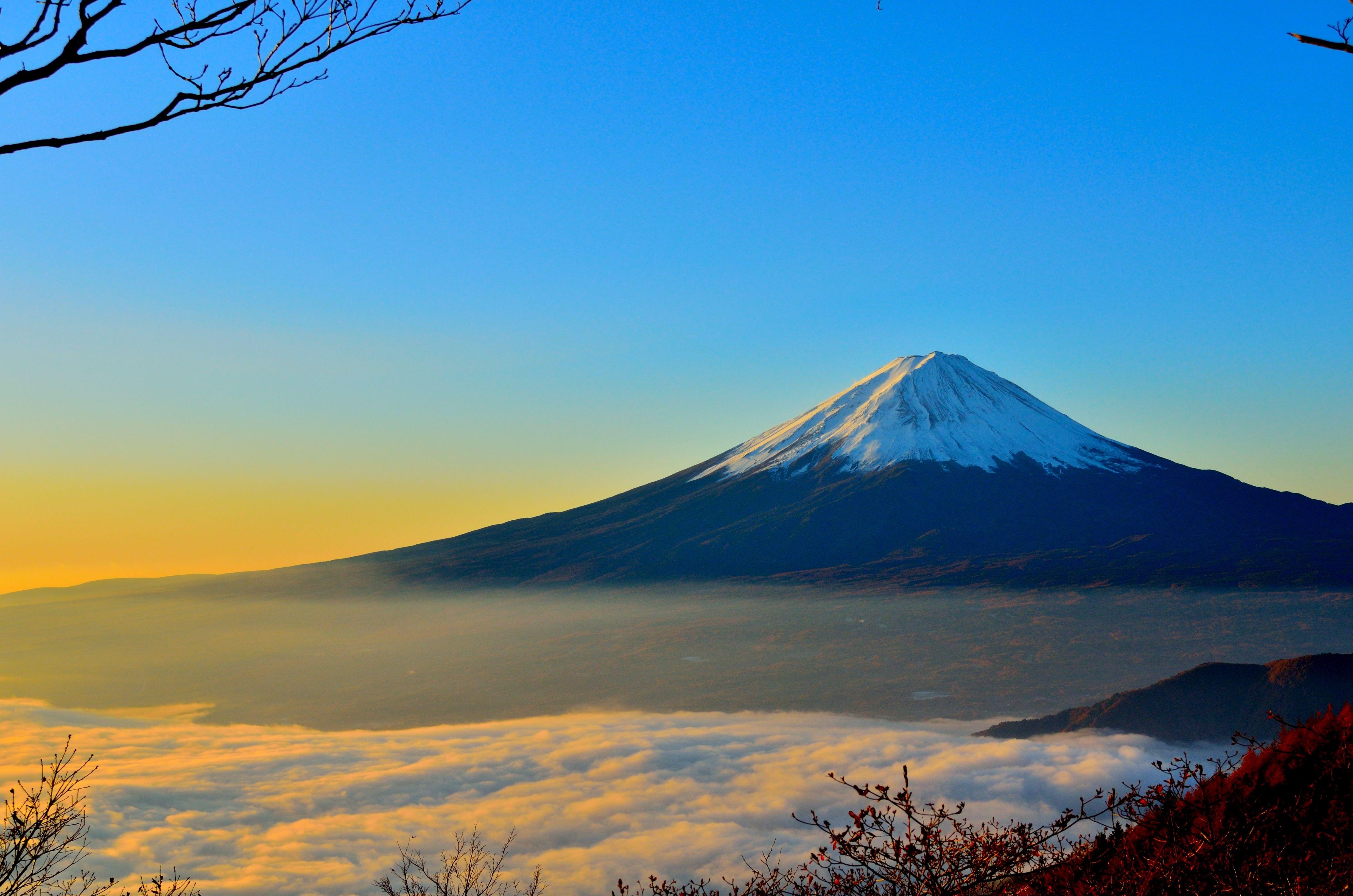 富士山の写真を部屋に飾る