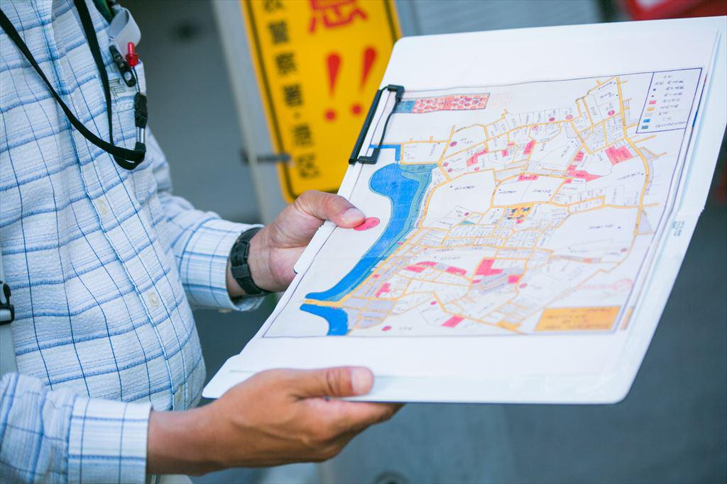 古地図を見ながら歩く