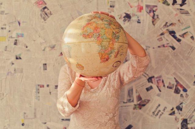 プログラミングを習得して海外で就職する方法。メリット・デメリットを解説!