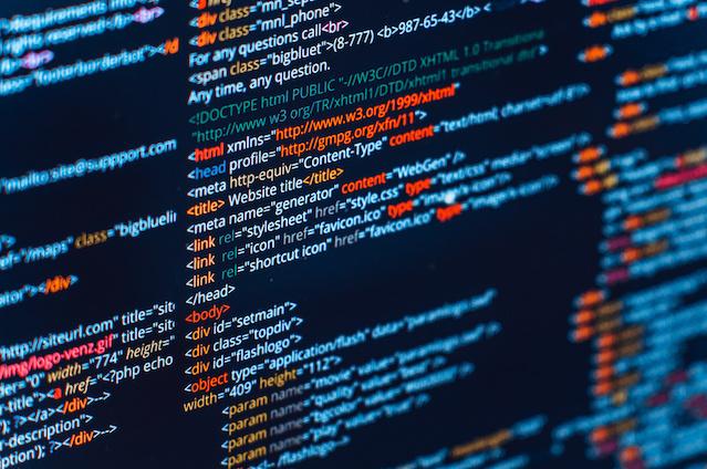 【初心者でも簡単!】HTMLで文字のカラーを変更する方法