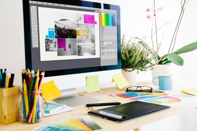 Webデザイナーと何が違う?グラフィックデザイナーを解説!