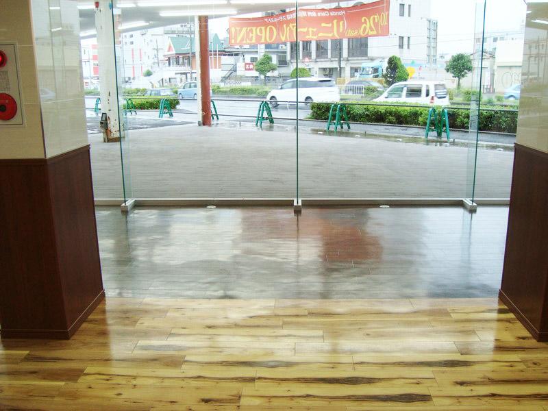 堺市のカーディーラー様(before)