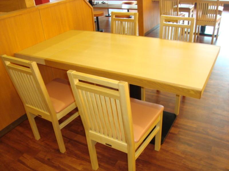 香川県 うどん店 テーブル
