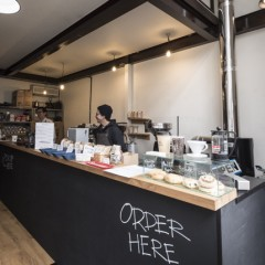 And Coffee Roastersの店舗写真