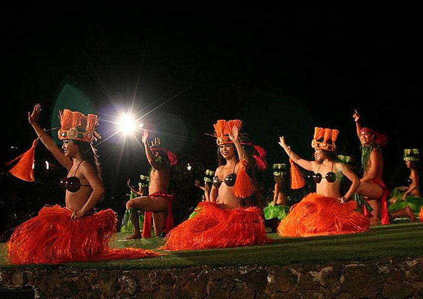 !!!マウイ島の最高のショー!!! オールド・ラハイナ・ルアウ