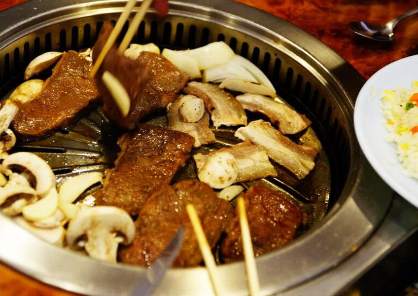 タンタラス丘の夜景 + ディナー (焼肉シルラ・ウォン 食べ放題)