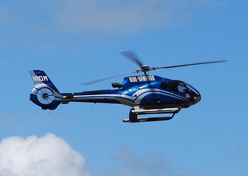 [ オフショアフライトスクール] ヘリコプター 体験 操縦 (+ 1人同込み)