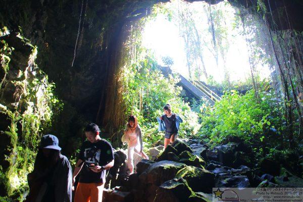 ヒロ屈指の溶岩洞窟「カウマナケイブ」