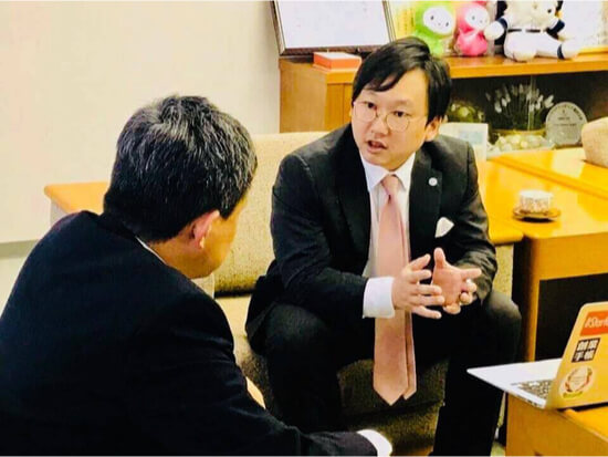 松本氏と森若氏の対談の画像です