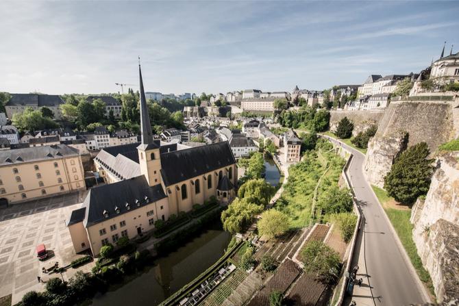 首都ルクセンブルク市の旧市街の画像です