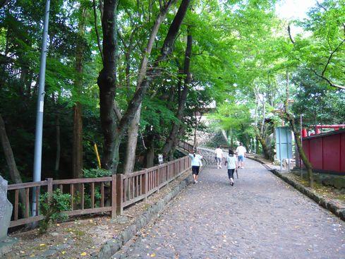 犬山城本丸への道