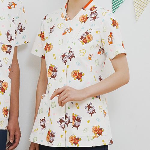 アンパンマン レディススクラブジャケット半袖販売。刺繍、プリント加工対応します。研修医、医療チームウェアに人気