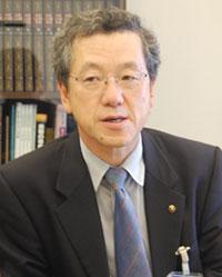 岡部 比呂男3