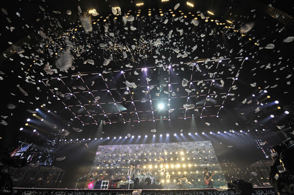 ラルク20周年記念ライブツアーがついにファイナル、京セラドームが大熱狂
