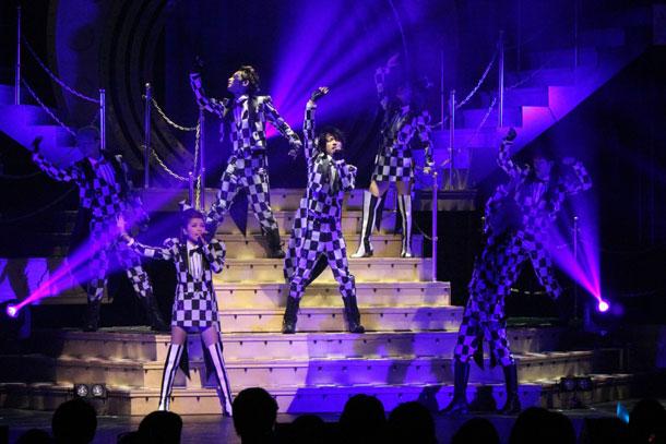 AAA、全39公演12万人動員の全国ツアーがスタート