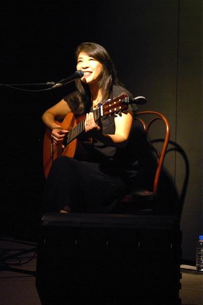 小野リサ ブラジル大使館での叙勲セレモニーで歌唱