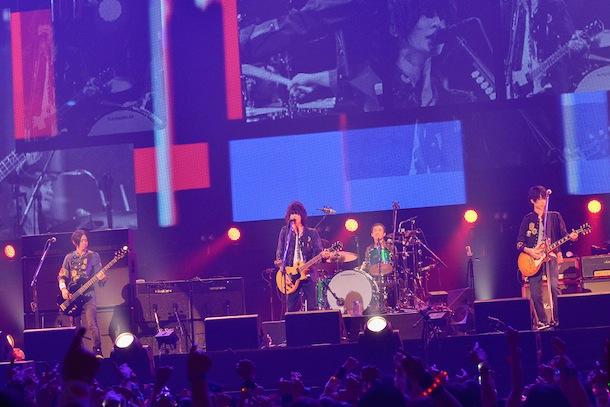BUMP OF CHICKEN ライブ写真 Photo by 古渓一道