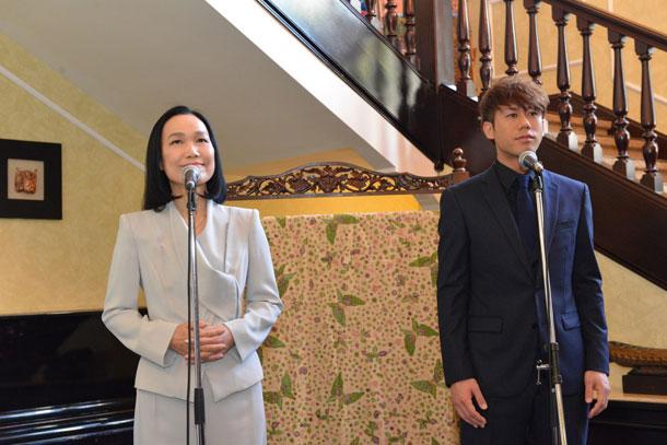 川畑要(CHEMISTRY)インドネシア大使館公邸で五輪真弓と「心の友」初デュエット