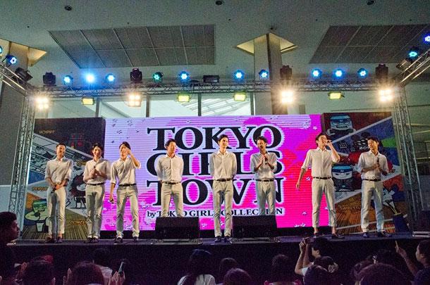 10日、タイで行われた「TOKYO GIRLS TOWN(TGT)」に8人組男性音楽グループ・SOLIDEMO(ソリディーモ)がイケメン日本代表として出演、海外初ライブを行った。