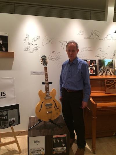 ザ・ビートルズ「MONO LP BOX」発売記念、ピーター・バラカン氏を迎えたアナログLP試聴会イベント実施