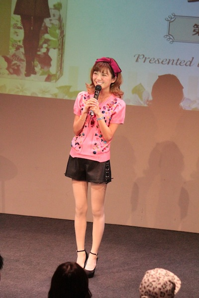 AAA 宇野実彩子プロデュースの着圧タイツ、購入者限定トークショーを開催