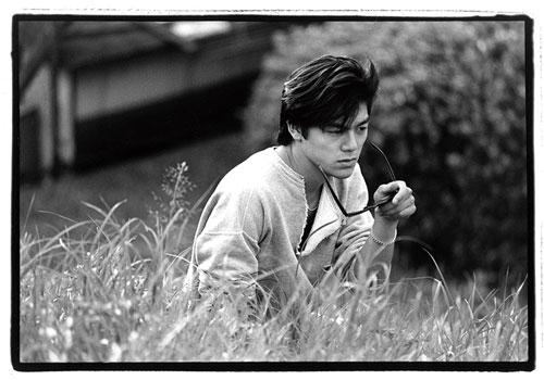 尾崎豊の初の自著26版まで増刷が続いた驚異のベストセラー「誰かのクラクション」のために撮影したもの。1985