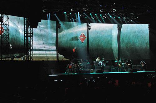 浜田省吾「ON THE ROAD 2011」ではステージ映像の制作、ディレクションを担当