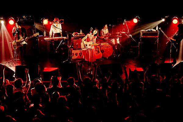 Drops 6月26日 東京キネマ倶楽部 ライブ写真1 撮影:たたみ