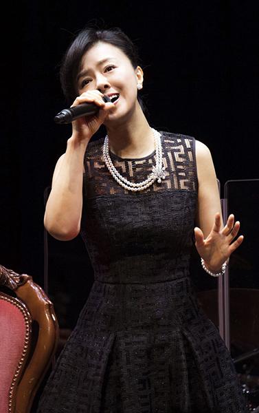 「薬師丸ひろ子 Premium Acoustic Night 〜シネマソングス〜」